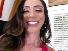 Smokin' hot Ariella Ferrera warms her pussy up by having an orgasm in advance of the sh