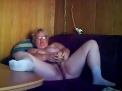 Great masturbation be useful to horny granny