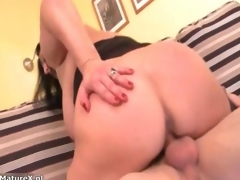 Busty mature slut goes crazy sucking clip