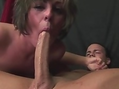 Milf Isabel Ice deepthroats a long dick